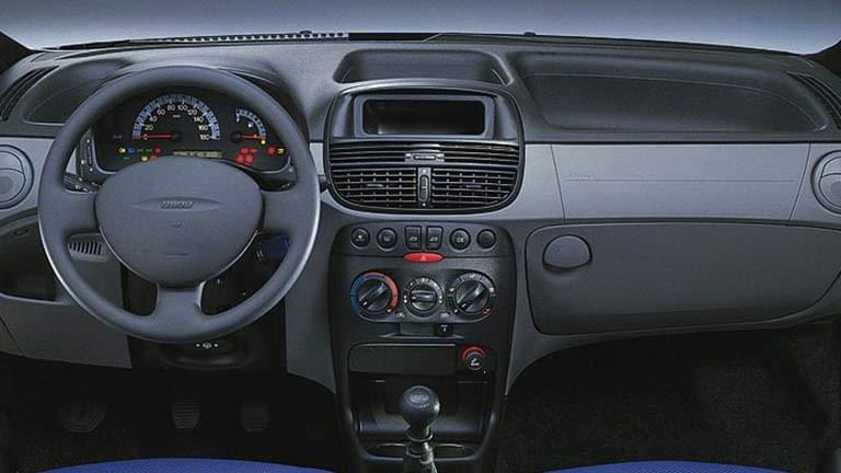 Fiat Punto - comprare o vendere auto usate o nuove - AutoScout24 on fiat marea, fiat stilo, fiat ritmo, fiat linea, fiat 500l, fiat doblo, fiat cinquecento, fiat coupe, fiat spider, fiat panda, fiat barchetta, fiat bravo, fiat cars, fiat multipla, fiat 500 turbo, fiat x1/9, fiat 500 abarth, fiat seicento,